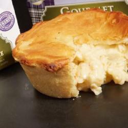 Mini cauliflower and leek pie