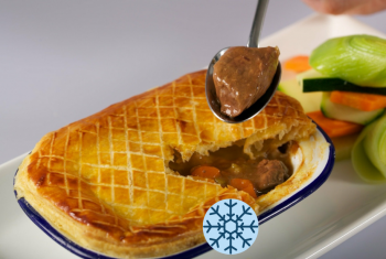 STEAK & SAUSAGE PIE WITH VEGETABLES ON SIDE